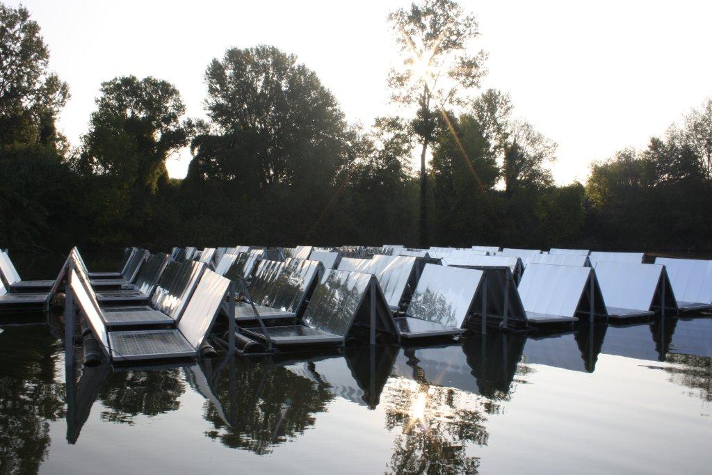 Ingegnere italiano progetta panelli solari galleggianti